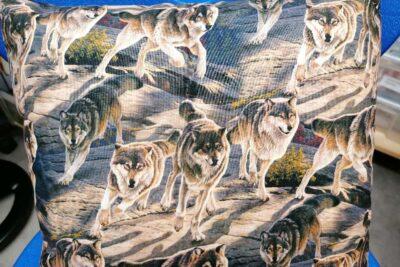 Kissen mit Wolfmotiven